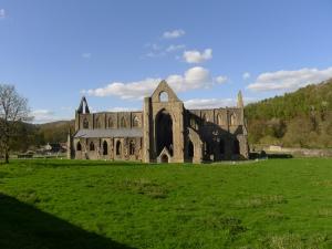 tintern abbey, ca 15km vor monmouth