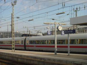 Abends steigen wir in den Zug um dann in München und später dann in Salzburg umzusteigen