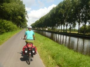 Der Weg am Kanal führt uns nach Brügge