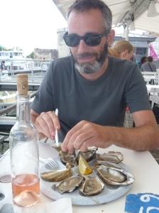 Frische Austern am Hafen